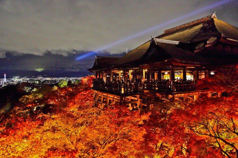 バスを利用して京都・金閣寺から京都・清水寺へのアクセス・行き方