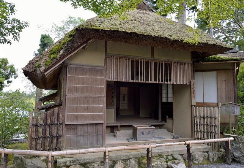 金閣寺の境内のパワースポットその4・【夕佳亭から見る金閣】