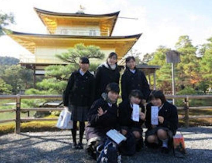 修学旅行で何気なしに撮った金閣寺の写真に謎の呪いが?!