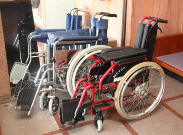 京都・金閣寺の車椅子のレンタル(貸出)情報